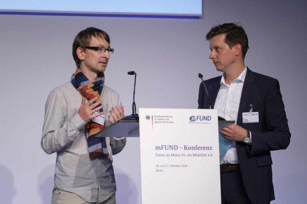 Dr. Matthias Wauer diskutiert mit Dr. Roland Goetzke über OPAL